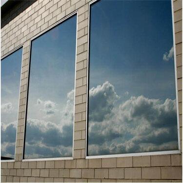 شیشه انعکاسی